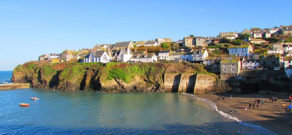 Yoga Surf Retreat Cornwall with Adventureyogi, 19 – 22 April, 22 – 26 April, 19 – 26 April