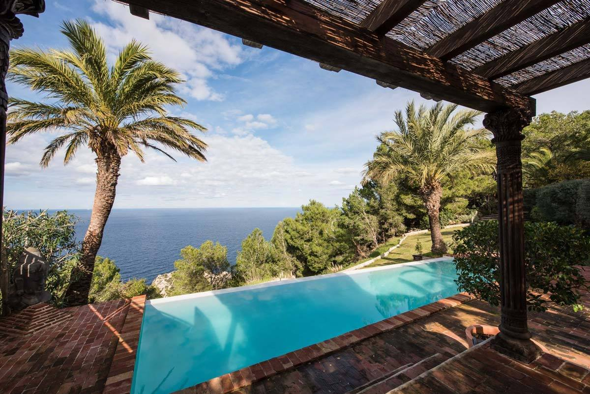 holistic wellbeing retreat Ibiza