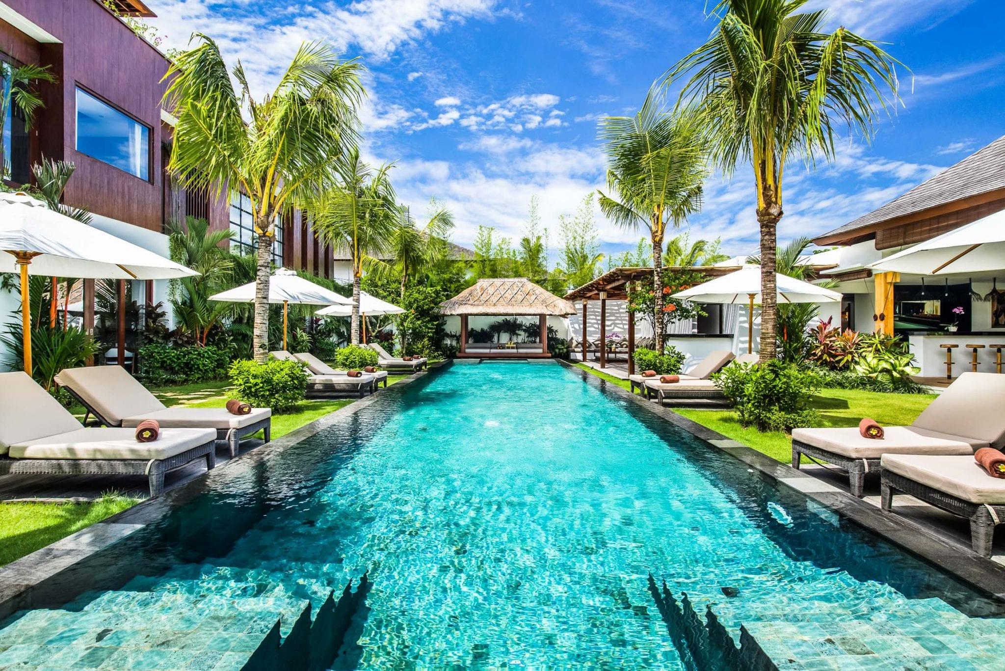 Luxury Retreat Villa in Seminyak, Bali / 10 bedrooms / 10 bathrooms / Pool